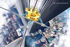 Ethereum precipita sotto i 300$, perdite marginali per il Bitcoin