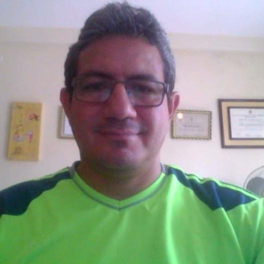 Alex Moreno R