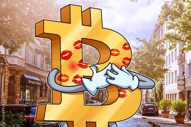 Suddenly, Everybody Loves Bitcoin