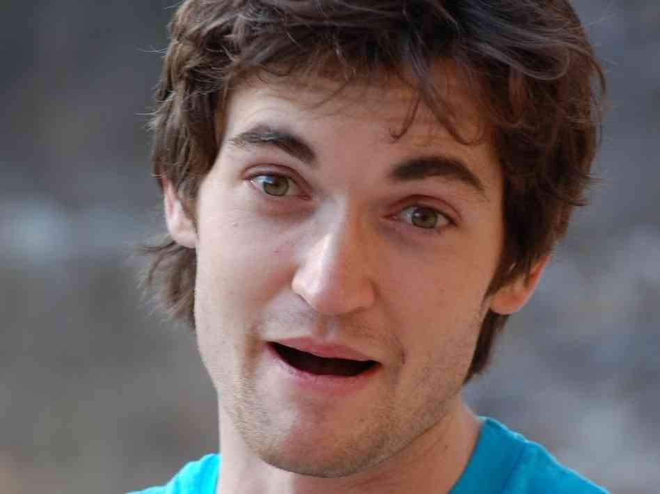 Ross Ulbricht pleads not guilty on all charges